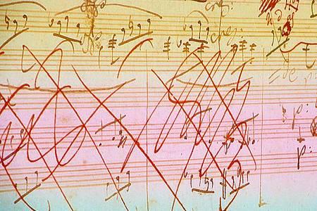 Eine Skizze aus der mit künstlicher Intelligenz fertig gestellten 10. Sinfonie von Beethoven. Foto: Iris Schröder/Deutsche Telekom /dpa