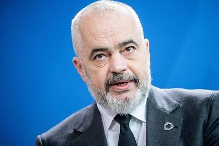 Die EU will Beitrittsverhandlungen mit Nordmazedonien und Albanien aufnehmen. Das dürfte Edi Rama, Ministerpräsident von Albanien, freuen. Foto: Michael Kappeler/dpa