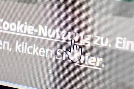 Was klicke ich hier eigentlich an? Beim Besuch von Webseiten lohnt es sich, ab und zu über diese Frage nachzudenken - bei der Cookie-Warnung etwa. Foto: Bernd Weissbrod/dpa/dpa-tmn