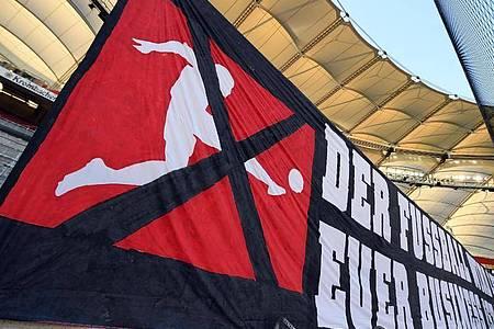 Politik und Fan-Organisationen machen Druck, die Bundesliga-Clubs selbst sind in der Corona-Krise zum Umdenken gezwungen. Foto: Matthias Hangst/Getty Images Europe/Pool/dpa