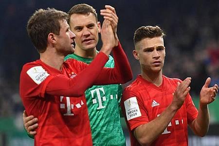 Die deutschen Champions-League-Clubs um den FC Bayern München wollen die anderen Bundesliga-Teams unterstützen. Foto: Bernd Thissen/dpa