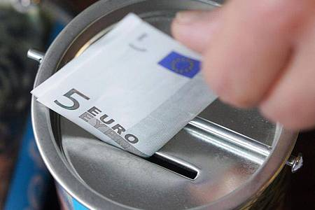 Die Spendenbereitschaft der Deutschen ist im Krisenjahr 2020 nicht zurückgegangen. Foto: picture alliance / Bernd Thissen/dpa