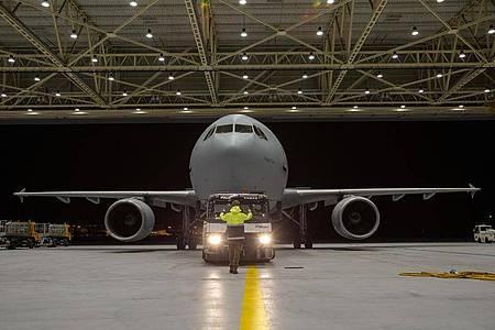 Der Airbus A310 MedEvac, die fliegende Intensivstation der Bundeswehr. Foto: Kevin Schrief/Luftwaffe/dpa