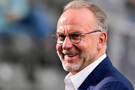 Hofft auf die baldige Rückkehr von Fans in die Fußball-Stadien: Bayern-Boss Karl-Heinz Rummenigge. Foto: Robert Michael/dpa-Zentralbild/Pool/dpa