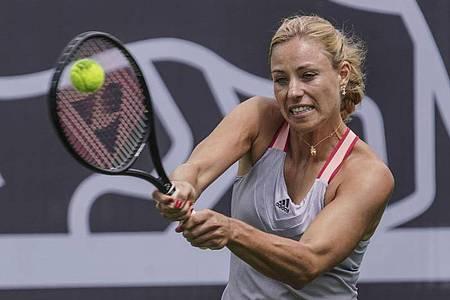 Hat noch keine Pläne für die Rückkehr auf die Tennis-Tour: Angelique Kerber bei einem Show-Kampf in Bad Homburg. Foto: Frank Rumpenhorst/dpa