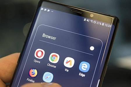 Auch mobil geben sich die Browser keine Blöße. Foto: Robert Günther/dpa-tmn