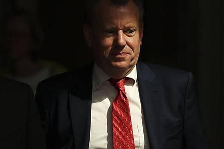 David Frost, Brexit-Berater in Großbritannien, verlässt im August 2019 den EU-Hauptsitz inBrüssel nach einem Treffen mit weiteren Verhandlungsführern. Foto: Francisco Seco/AP/dpa