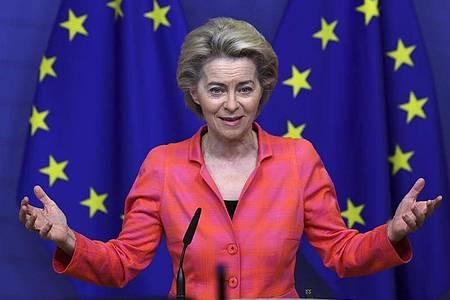 Ursula von der Leyen, Präsidentin der Europäischen Kommission, gibt eine Erklärung zum Klimaschutz ab. Foto: Yves Herman/Pool Reuters/AP/dpa