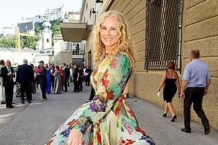 Prominenz in Salzburg:Moderatorin Katja Burkard. Foto: Franz Neumayr/APA/dpa
