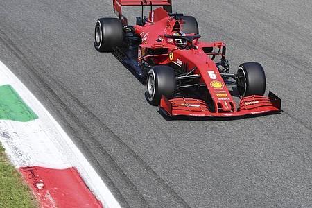 Sebastian Vettel schied im Ferrari früh aus. Foto: Jennifer Lorenzini/POOL Reuters/AP/dpa