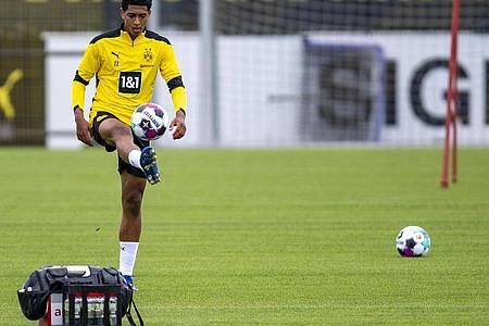 Mit Jude Bellingham hat Borussia Dortmund seinen Luxus-Kader weiter aufgepimpt. Foto: David Inderlied/dpa