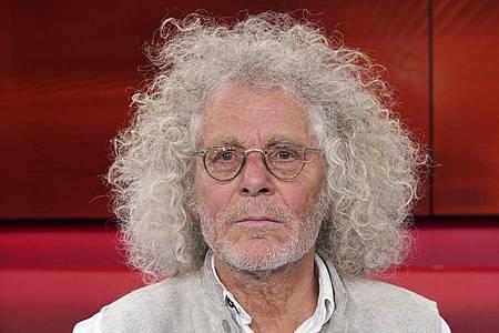 Rainer Langhans hat Prostatakrebs. Foto: Thomas Bartilla/Geisler-Fotopress/dpa