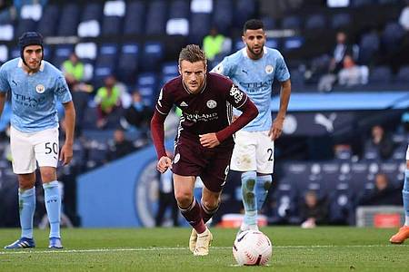 Leicester-Stürmer Jamie Vardy erzielte zwei seiner drei Tore per Elfmeter. Foto: Laurence Griffiths/PA Wire/dpa