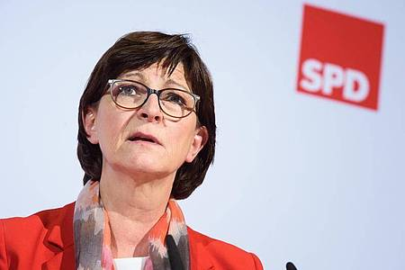 Saskia Esken, Bundesvorsitzende der SPD, stellt eine einmalige Vermögensabgabe zur Finanzierung der Corona-Krise zur Diskussion. Foto: Gregor Fischer/dpa