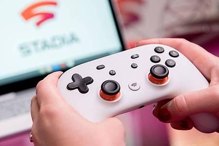 Mit Diensten wie Google Stadia sollen auch Spieler mit schwacher eigener Hardware moderne Titel spielen können. Foto: Andrea Warnecke/dpa-tmn