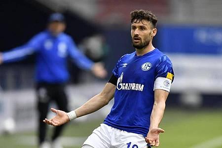 Der Schalker Daniel Caligiuri soll vor einem Wechsel zum FC Augsburg stehen. Foto: Martin Meissner/AP-Pool/dpa