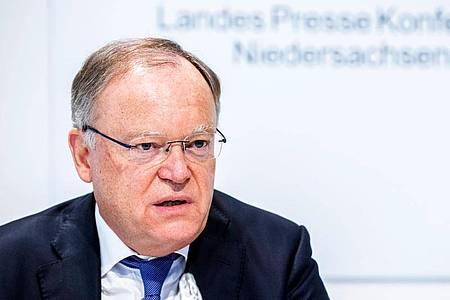 Der SPD-Politiker Stephan Weil während einer Pressekonferenz im Landtag. Foto: Hauke-Christian Dittrich/dpa