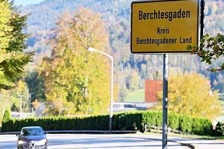 Im Kampf gegen die extrem gestiegenen Corona-Infektionszahlen im oberbayerischen Landkreis Berchtesgadener Land wird eine Ausgangsperre verhängt. Foto: Peter Kneffel/dpa
