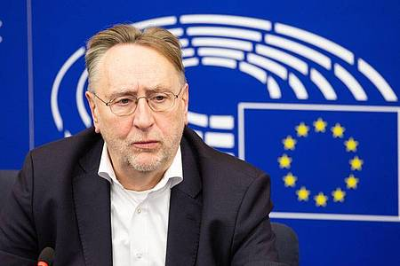 Kurz vor Ende der vierten Verhandlungsrunde über einen EU-Handelspakt mit Großbritannien hat sich der SPD-Brexit-Experte Bernd Lange pessimistisch geäußert. Foto: Philipp von Ditfurth/dpa