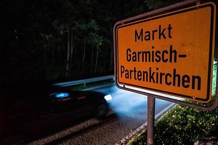 Eine 26-jährige US-Amerikanerin, die in Garmisch-Partenkirchen lebt, soll trotz Krankheitszeichen und Quarantäneauflage durch Kneipen gezogen sein. Foto: Lino Mirgeler/dpa