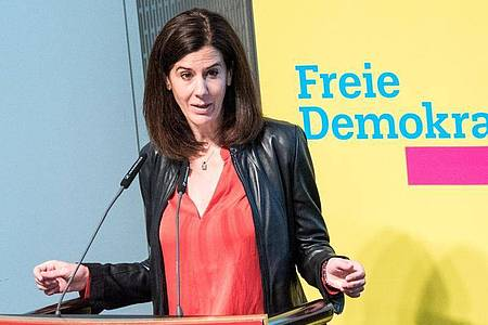 Katja Suding will weder bei der Bundestagswahl antreten noch erneut für den Landesvorsitz kandidieren. Foto: Daniel Bockwoldt/dpa