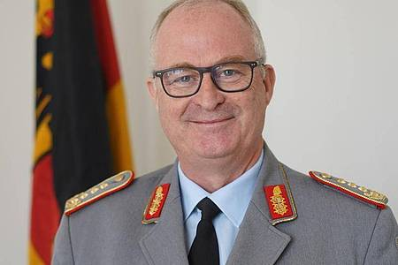 In der Nato werde Deutschland seiner Verantwortung gerecht und erfülle die gestellten Ansprüche stets, sagt Eberhard Zorn. Foto: Jörg Carstensen/dpa
