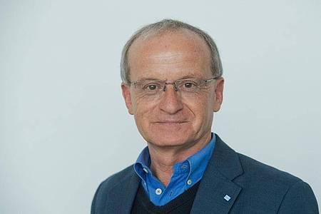 Thomas Mettenleiter, Präsident des Friedrich-Loeffler-Instituts (FLI). Das Institut bei Greifswald hat mit Tierversuchen zur Erforschung des neuartigen Coronavirus begonnen. Foto: Stefan Sauer/dpa-Zentralbild/dpa