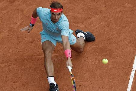 Rafael Nadal erreichte locker das Achtelfinale. Foto: Christophe Ena/AP/dpa