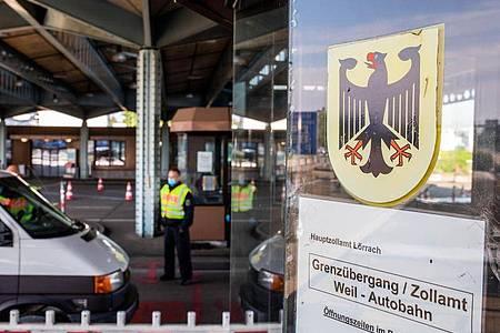 Der Grenzübergang zur Schweiz in Weil am Rhein. Foto: Philipp von Ditfurth/dpa
