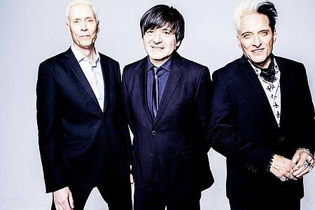 Farin Urlaub (l-r), Rodrigo Gonzalez und Bela B melden sich mit neuem Album zurück. Foto: Jörg Steinmetz/Die Ärzte/dpa