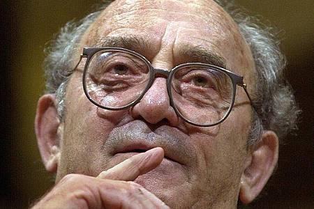 Der Anti-Apartheid-Kämpfer Denis Goldberg ist gestorben. Foto: picture alliance / dpa