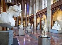 Blick in die Ausstellung «Ideal und Form. Skulpturen des 19. Jahrhunderts aus der Sammlung der Nationalgalerie» in der Friedrichswerderschen Kirche. Foto: Bernd von Jutrczenka/dpa