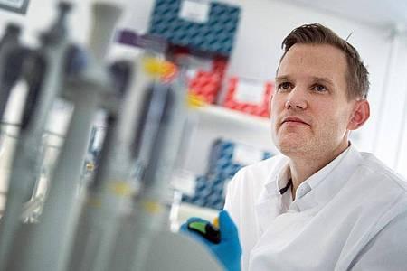 Professor Hendrik Streeck, Direktor des Institut für Virologie an der Uniklinik in Bonn. Foto: Federico Gambarini/dpa