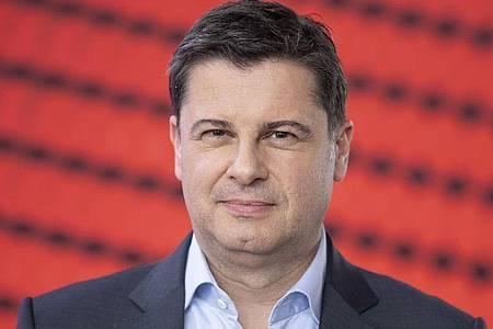 «Wir ändern momentan nicht das Ziel, sondern nur die Pläne», sagt DFL-Geschäftsführer Christian Seifert. Foto: Boris Roessler/dpa/Archiv