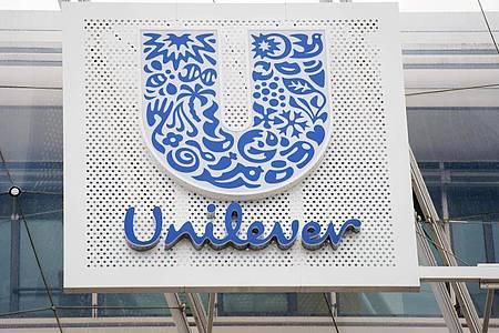 Unilever begründete die Entscheidung mit der Verantwortung der Unternehmen im Umgang mit kontroversen Beiträgen im Netz - speziell angesichts der angespannten politischen Atmosphäre in den USA. Foto: Daniel Reinhardt/dpa
