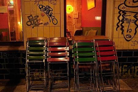Geschlossene Bar in Neukölln. Foto: Annette Riedl/dpa