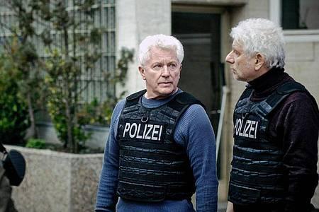 Szene aus dem «Tatort: Unklare Lage mit Miroslav Nemec und Udo Wachtveitl. Kameramann Florian Emmerich ist für den Film mit dem Deutschen Kamerapreis ausgezeichnet worden. Foto: Hagen Keller/BR/ARD/dpa