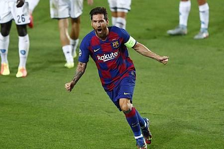 Lionel Messi bejubelt sein Tor zum 2:0 für den FC Barcelona gegen den SSC Neapel. Foto: Joan Monfort/AP/dpa
