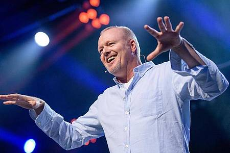 Der Entertainer Stefan Raab will das Publikum am Sonntag überrschen. Foto: Matthias Balk/dpa