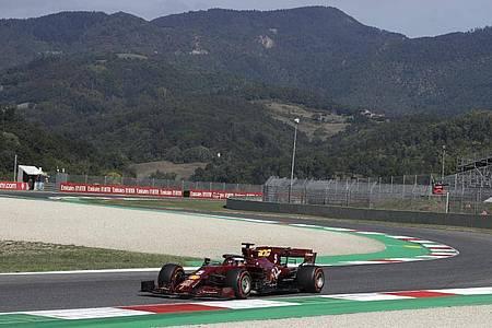 Ausgerechnet auf der Hausstrecke droht Ferrari eine weitere Demütigung in der Formel 1. Foto: Luca Bruno/AP/dpa