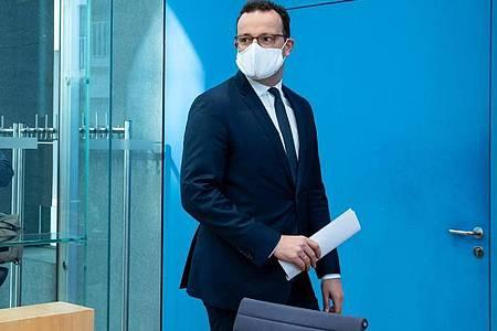 Gesundheitsminister Jens Spahn (CDU) rät für die kommenden Monate zu Urlaub in Deutschland. Foto: Bernd von Jutrczenka/dpa Pool/dpa