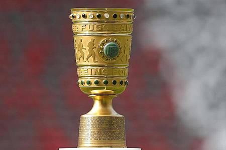 Objekt der Begierde: Der DFB-Pokal. Foto: Jan Woitas/zb/dpa