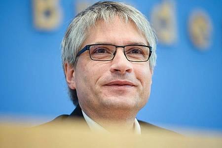 Sprecher der Grünen im EU-Parlament: Sven Giegold kritisiert internationale Großbanken. Foto: Gregor Fischer/dpa