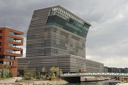 Das spanische Architekturbüro Estudio Herreros hat das neue Munch-Museum in Oslo entworfen. Foto: Sigrid Harms/dpa