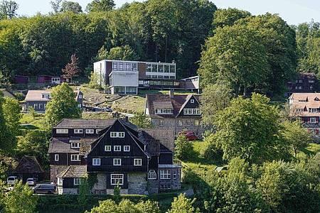 Das Gelände der ehemaligen Odenwaldschule in Heppenheim. Foto: Uwe Anspach/dpa