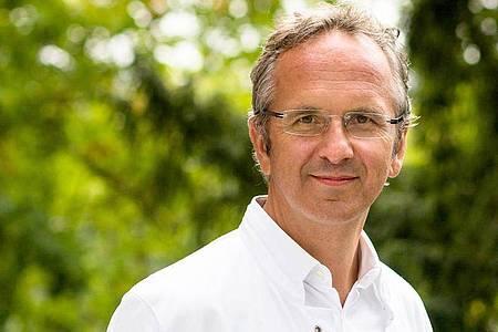 Prof. Andreas Michalsen ist Chefarzt der Abteilung Naturheilkunde im Immanuel Krankenhaus Berlin. Foto: Anja Lehmann/Immanuel Krankenhaus Berlin/dpa-tmn