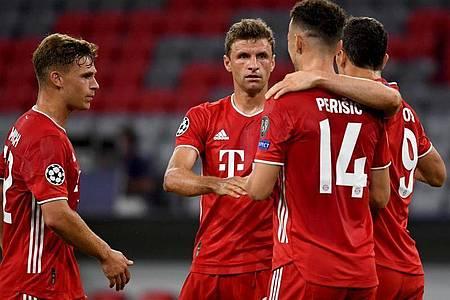 Bayerns Ivan Perisic (2.v.r.) jubelt nach seinem Treffer zum 2:0 mit den Mannschaftskameraden Müller (2.v.l.), Lewandowski (r) und Kimmich (l). Foto: Sven Hoppe/dpa