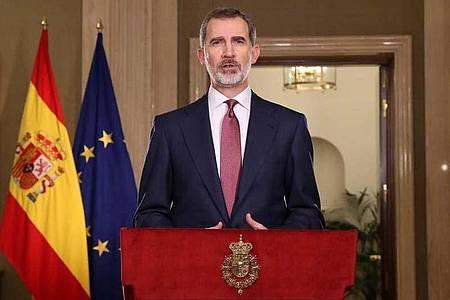 Spaniens König Felipe VI. wendet sich in einer Fernsehansprache an die Nation. Foto: Casa De S.M. El Rey/Europa Press/dpa