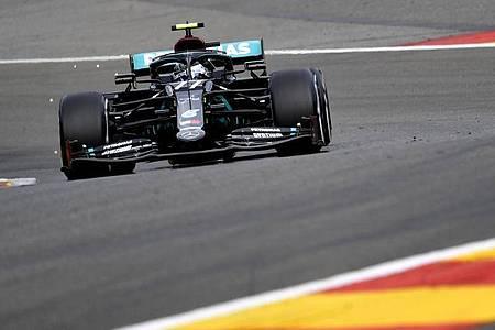 Mercedes-Pilot Valtteri Bottas rast über die Strecke in Spa-Francorchamps. Foto: John Thys/POOL AFP/AP/dpa