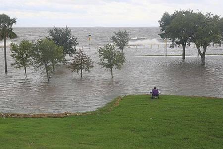 Hurrikan «Sally» hat auf seinem Weg in Richtung US-Golfküste weiter an Kraft gewonnen. Foto: Lan Wei/XinHua/dpa